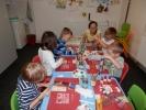 Výtvarný kroužek pro předškolní děti - letadlo z ruličky od utěrek